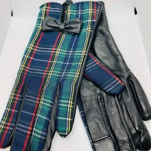 NWT WOMEN'S PLAID FABRIC AND SOFT-SHELL GLOVES